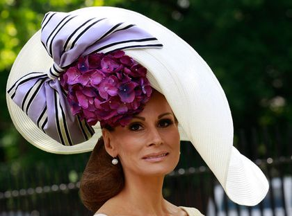 chapeau femme excentrique